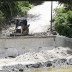 Construye Gobierno Municipal puente vehicular en Las Pozas